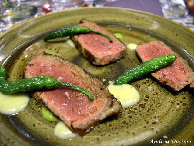 Da Gigione a Pomigliano. Tagliata di marchigiana, peperoncini verdi, accompagnati da crema ai peperoncini verdi e patate