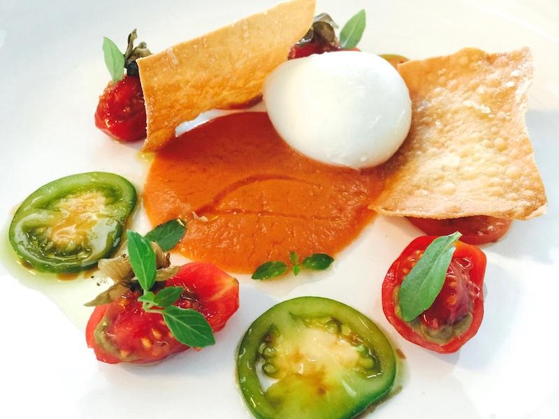 Ristorante Berton, Insalata di pomodoro, mozzarella di bufala, melanzana e capperi