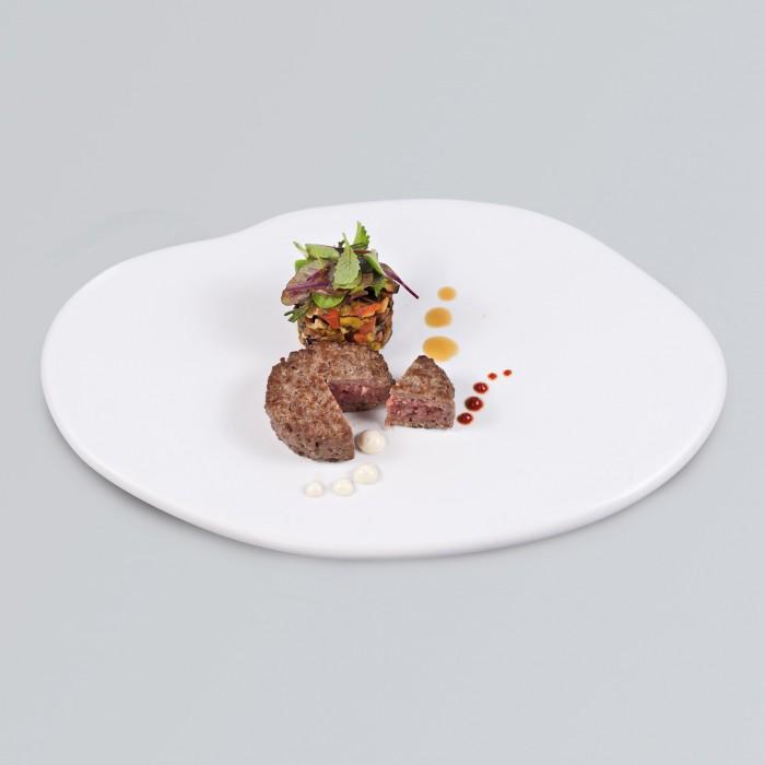 Hamburger di manzo con caponatina siciliana