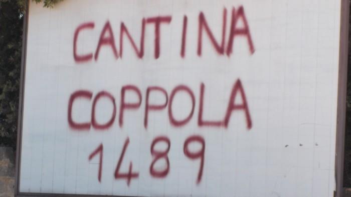 Insegna Cantina Coppola