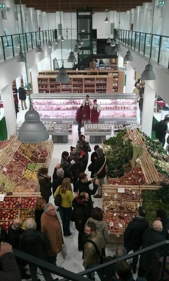 Interni del mercato Le Logge Del Grano