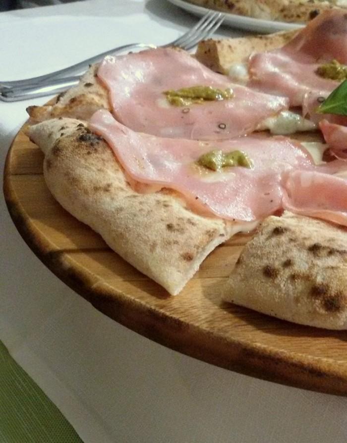 Pizzeria Daniele, Base Agerola, mortadella di Bologna IGP e crema di pistacchio