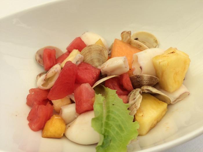 Ristorante Molinett, insalatina di mare fredda con ananas, melone e anguria