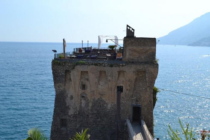 TORRE NORMANNA - Veduta della torre sulla Costa d'Amalfi