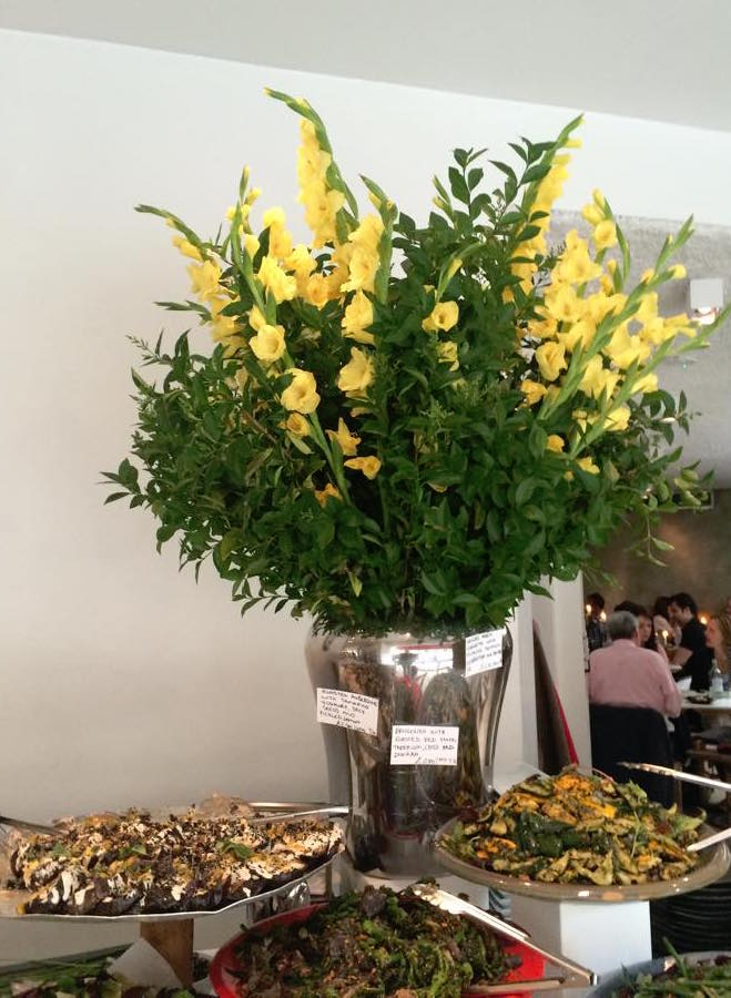Ottolenghi Spitalfields, i fiori al banco