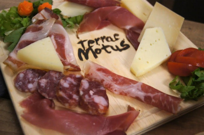 Terrae Motus, tagliere formaggi e salumi