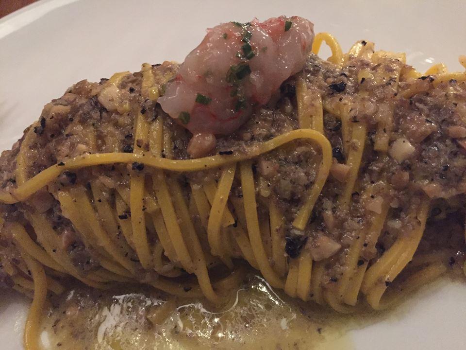 Magazzino 52 Torino, tagliolino, pesto al tartufo e gamberi
