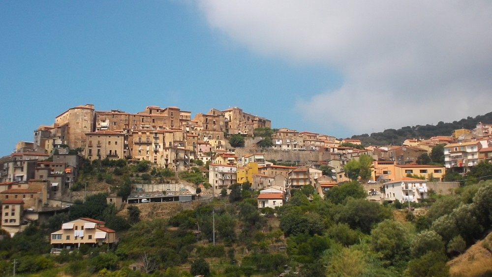 Centro storico di Pisciotta visto dall'agriturismo La Locanda del Fiume