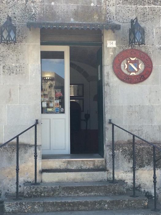 Duca Carlo Guarini, ingresso cantina e punto vendita a Scorrano