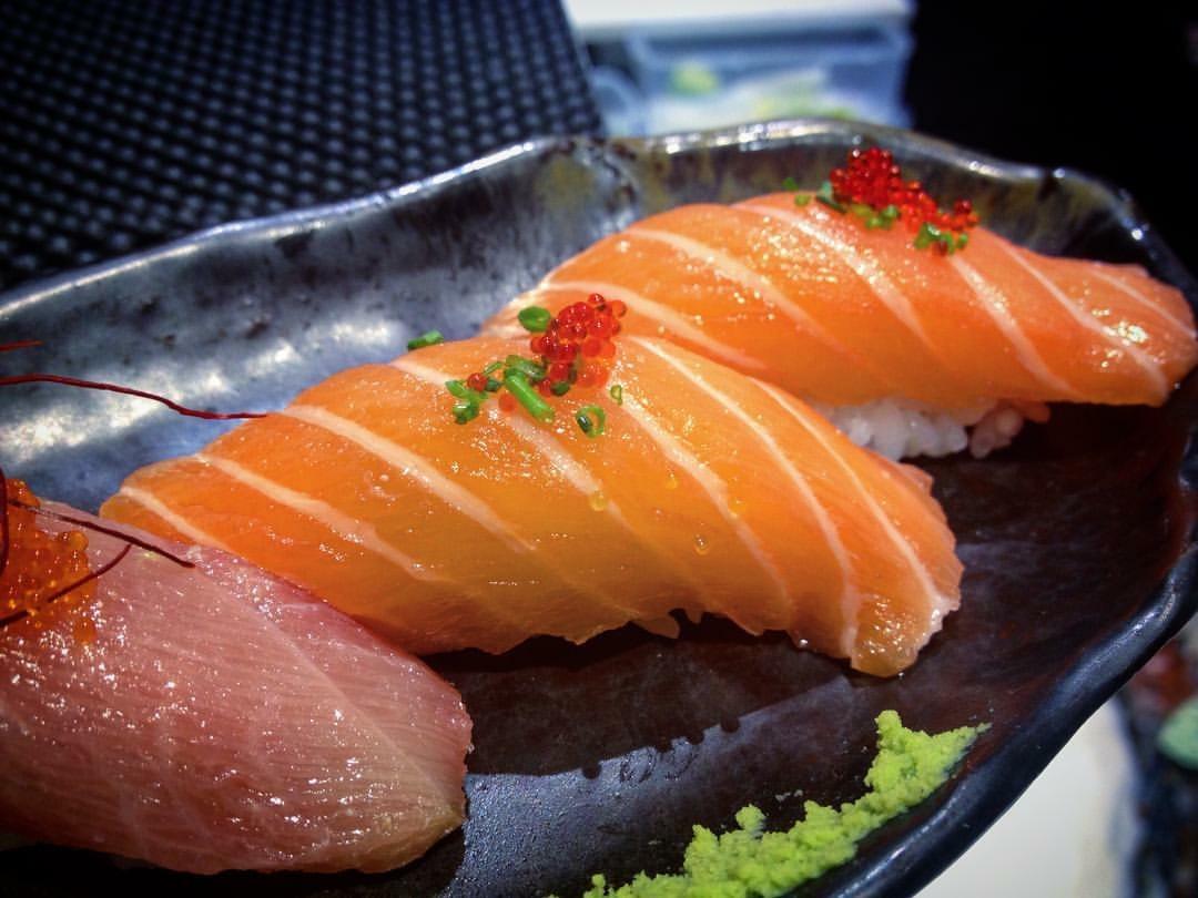 Zenbu, Nigiri salmone