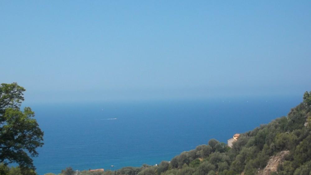 Il mare di Pisciotta Marina visto dall'agriturismo La Locanda del Fiume