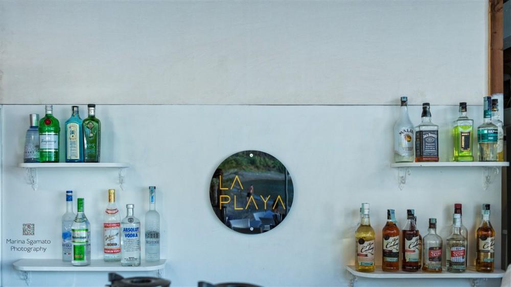 La Playa tapas bar, Il bar