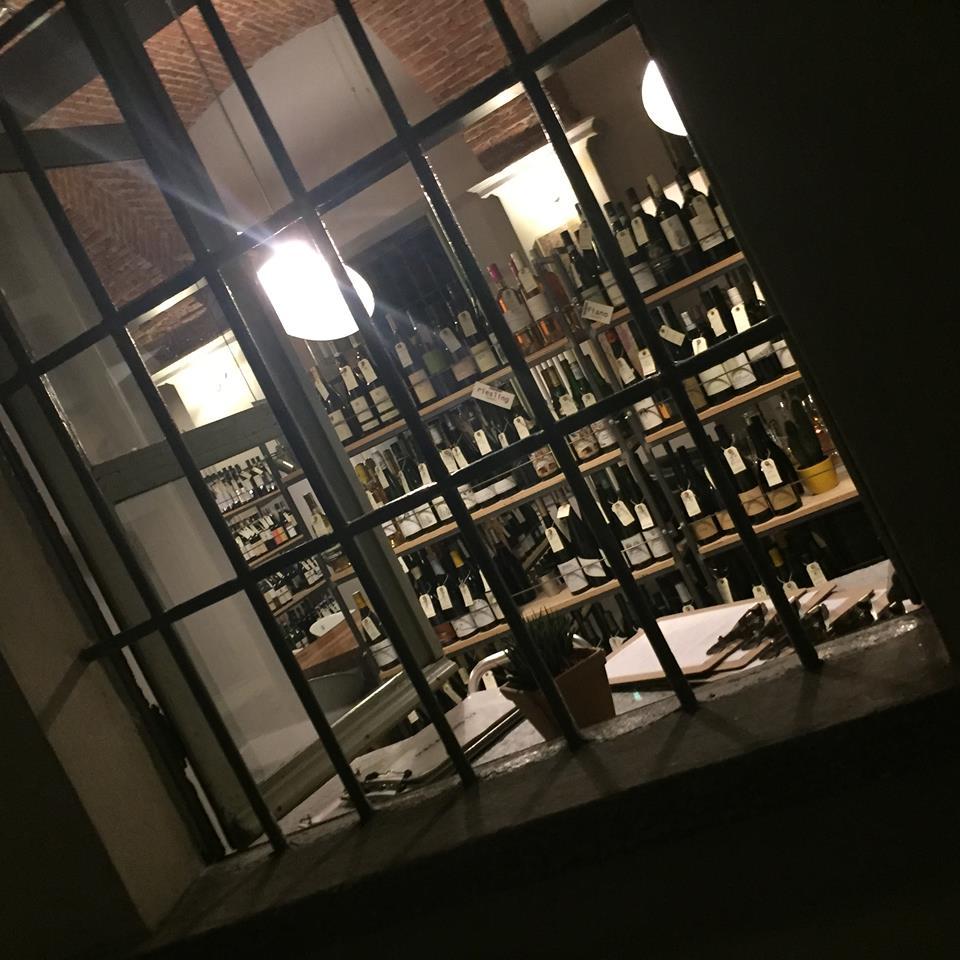 Magazzino 52 Torino, la vetrata