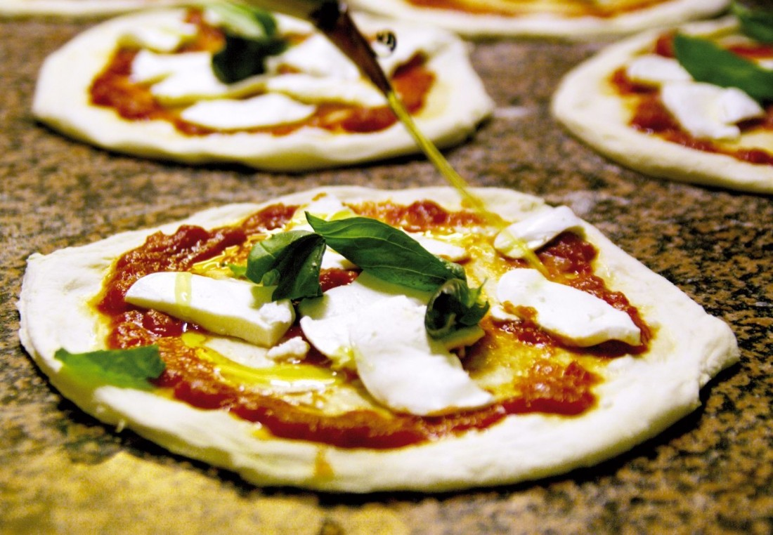 Pizza napoletana (Foto Riccardo Melillo)
