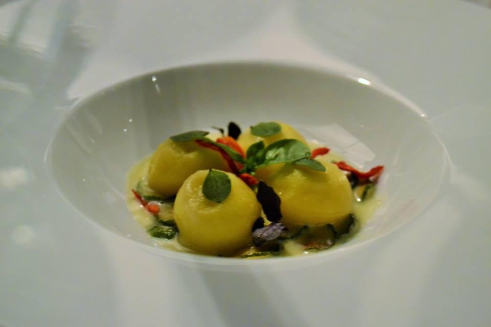 RADA Restaurant Bottoni cacio e pepe in salsa alla Nerano