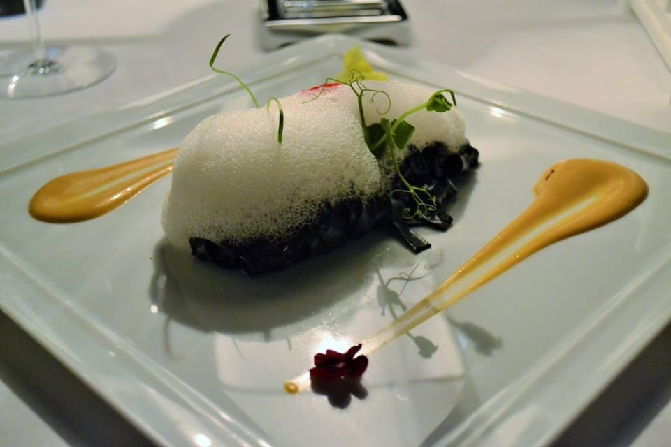 RADA Restaurant Fettuccelle al nero di seppia con ricci di mare