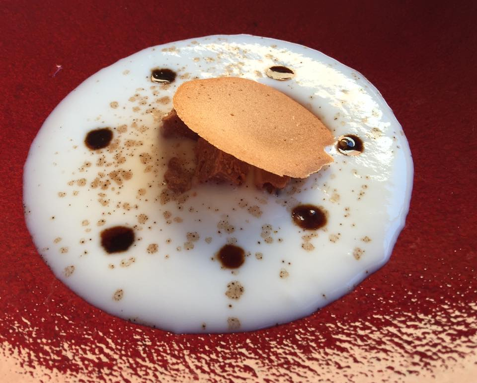 Signum, zuppa di latte con pralinato al cioccolato