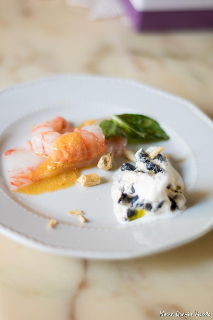 Gelateria Crivella, gelato all'olio e alle olive con crudo di gamberi e briciole di taralli