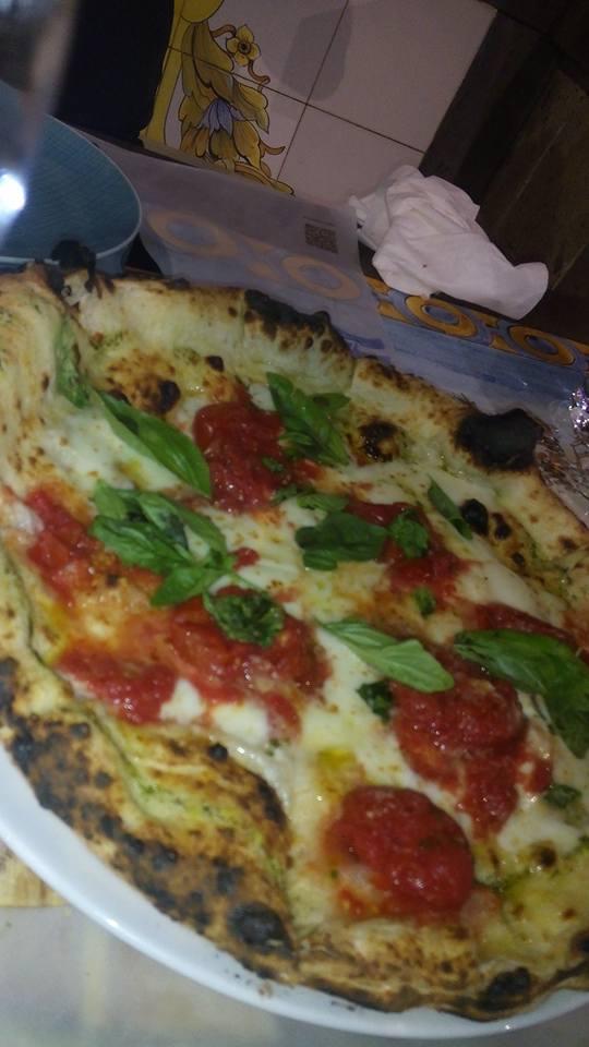 Pizzeria Saporì: margherita con i corbarini