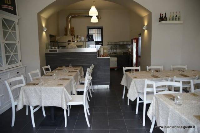 10 Pizzeria Diego Vitagliano l'interno