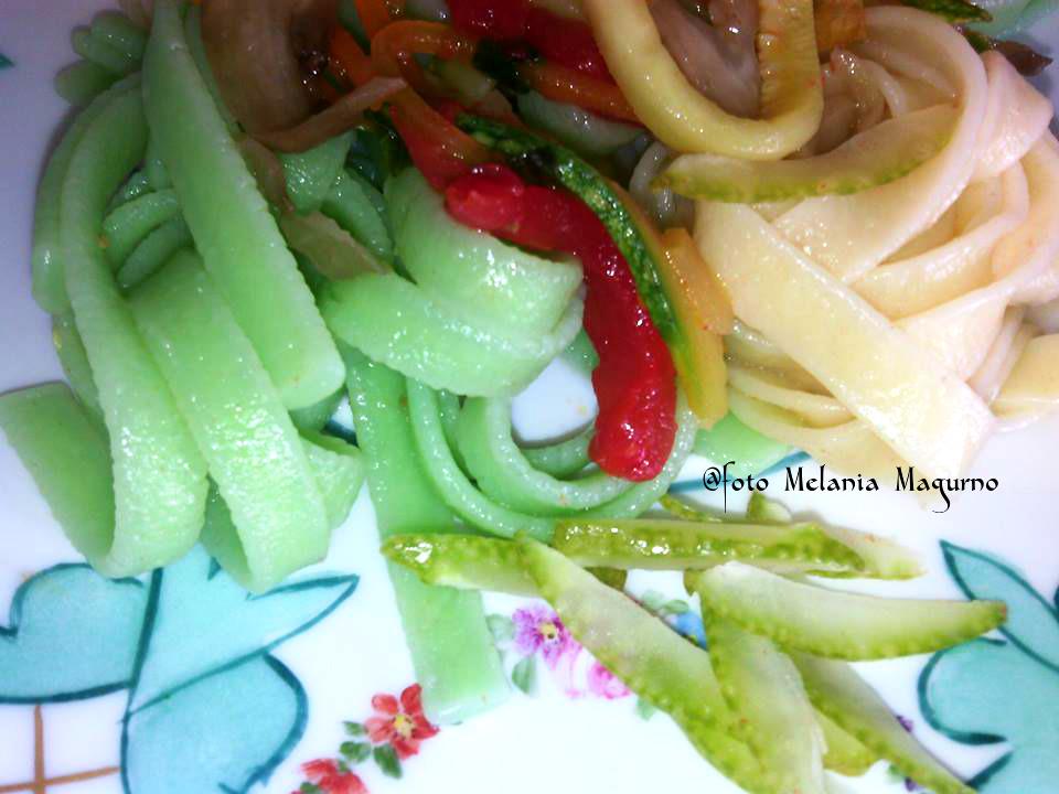 Tagliatelle di semola e al cedro con verdure saltate in padella