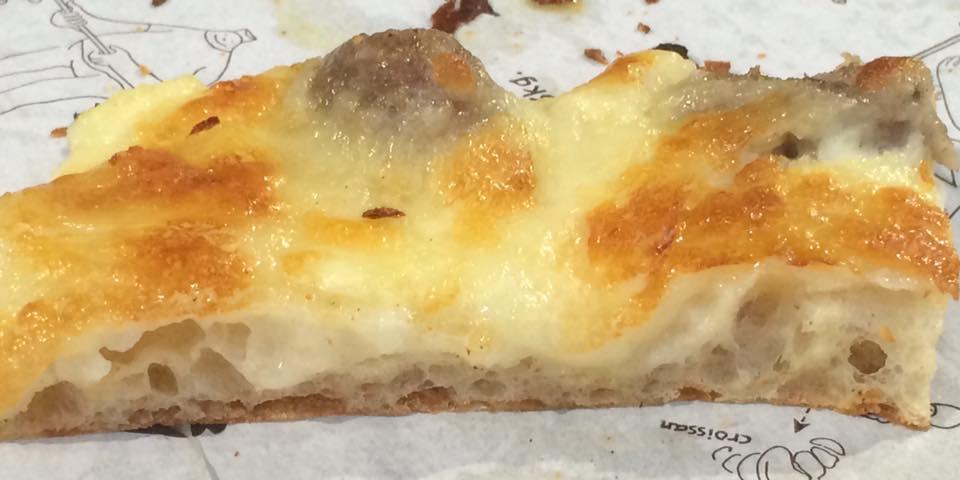 Pizzarium, mozzarella e salsiccia