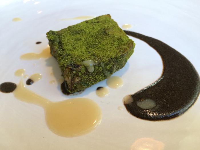 Bross  Lecce,  Melanzana con alloro, cioccolato bianco e buccia di melanzana tostate