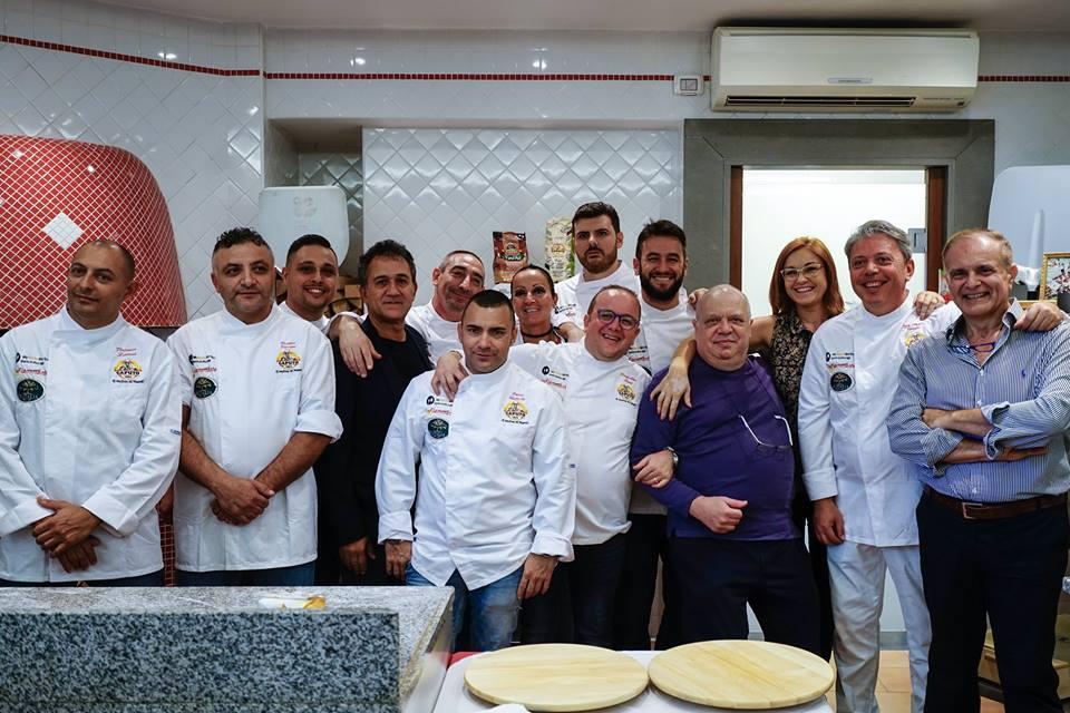 Contest #pizzaunesco i finaisti con la giuria