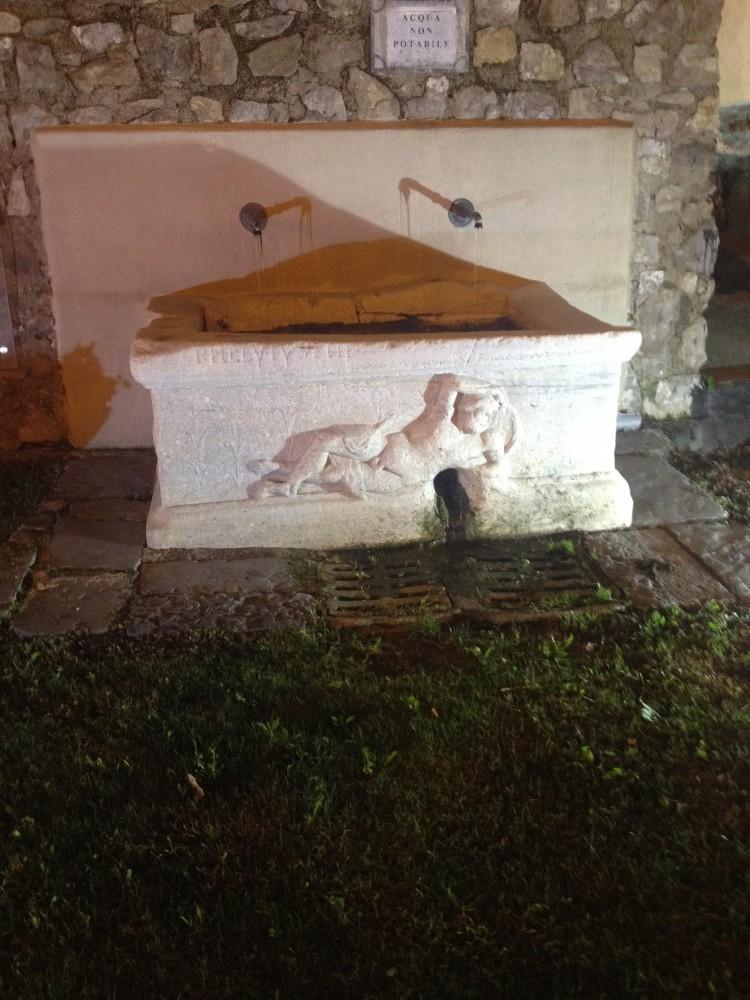 Fontana romana