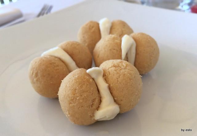 Il Magone bignè con maionese di caciocavallo
