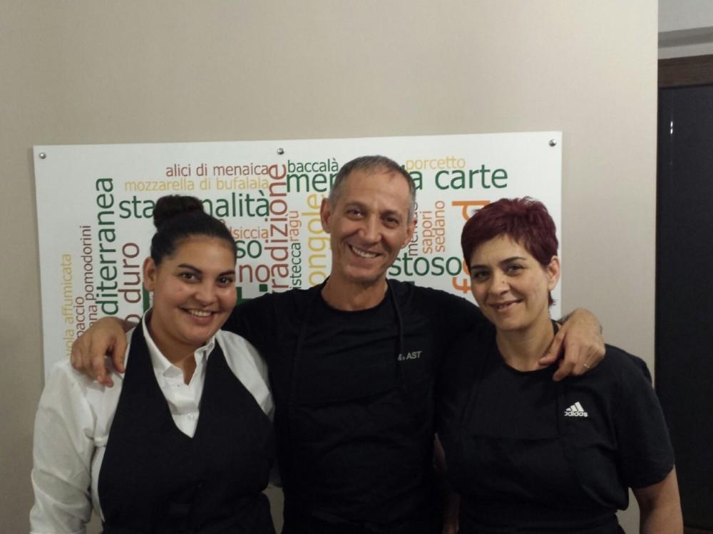 L'intingolo, Maria, Renato e Costanza