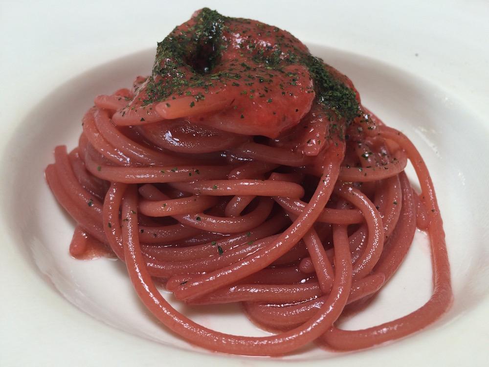 L'Argine a Venco' - Spaghetti con fragole di bosco, passata di pomodoro e aglio orsino