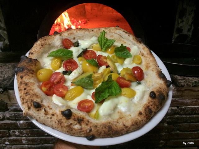 La Contrada Roberta  Esposito Pizza Margherita Tris
