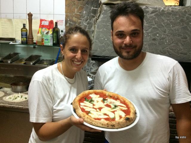La Contrada Roberta Esposito e Francesco Sorrentino Pizza Margherita