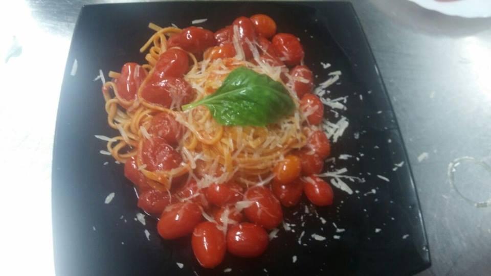 La Pentolaccia, linguina coi pomodorini locali