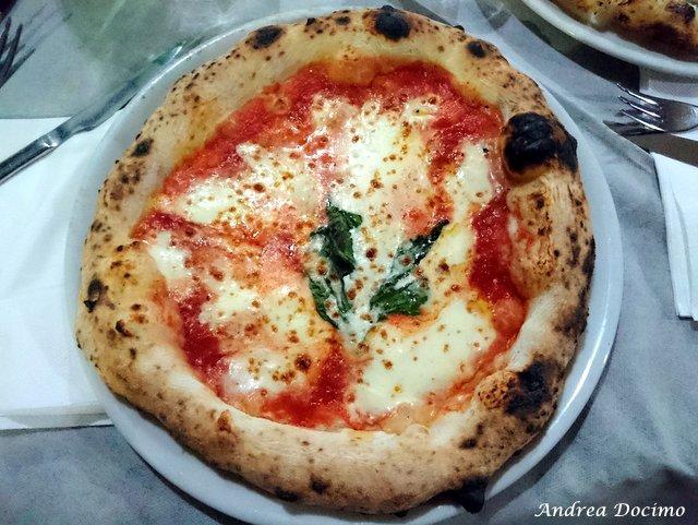 La classifica delle migliori pizzerie della provincia di Caserta. La pizza margherita de I Masanielli di Francesco Martucci a Caserta