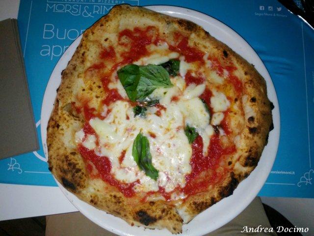 La classifica delle migliori pizzerie della provincia di Caserta. La pizza margherita di Morsi e Rimorsi a Caserta