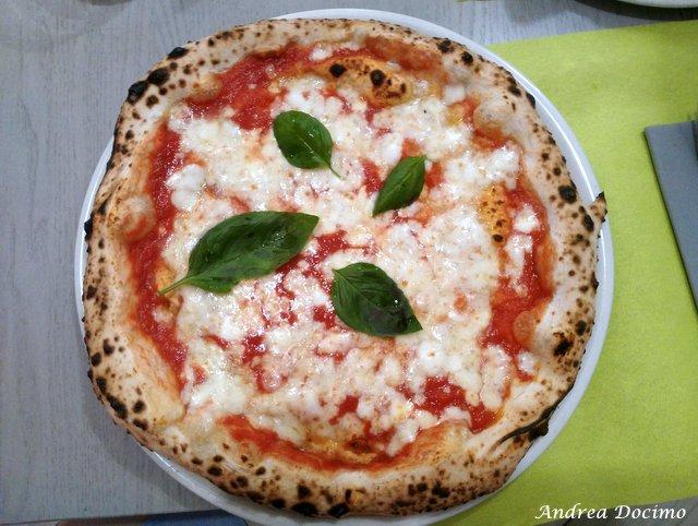 La classifica delle migliori pizzerie della provincia di Caserta. La pizza margherita di Pizzeria Elite di Pasqualino Rossi ad Alvignano