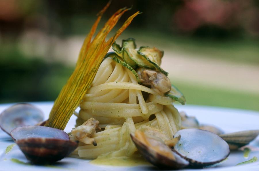 Linguine vongole e zucchine don alfonso