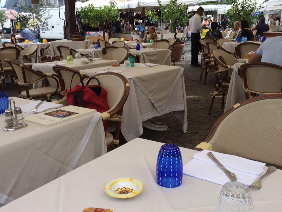 Lo Zodiaco, i tavoli all'aperto