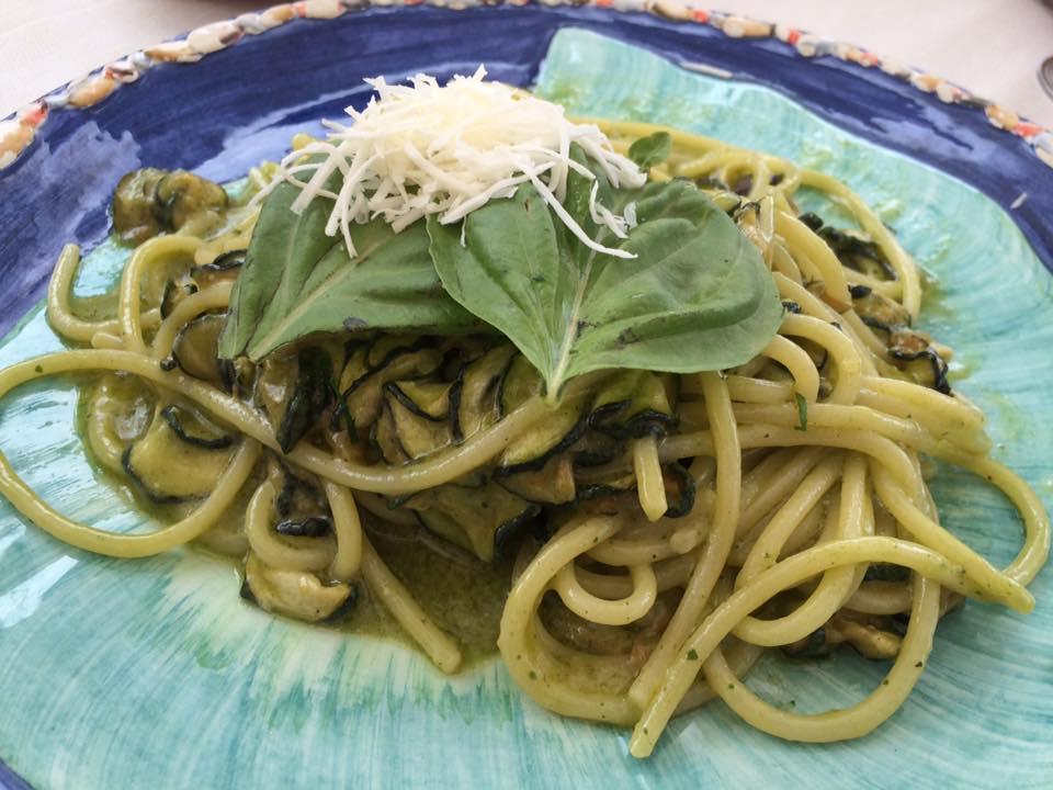 Lo Zodiaco, spaghetti con zucchine e ricotta salata