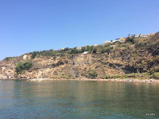 Monte di Procida la spiaggia di Acquamorta