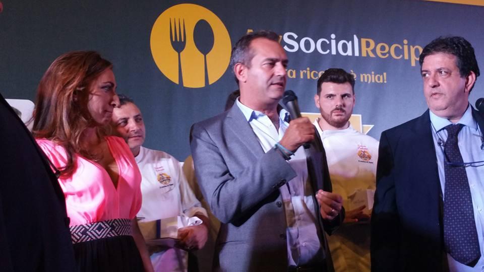 Pizza Unesco con De Magistris e Francesca Marino