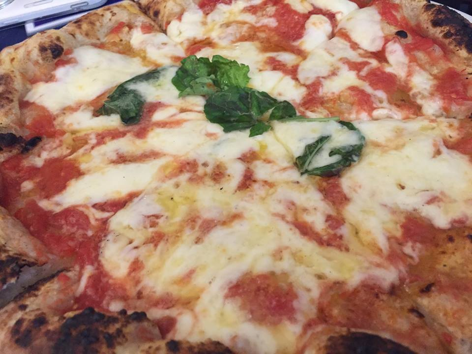Pizzeria 'O Gemell, la margherita