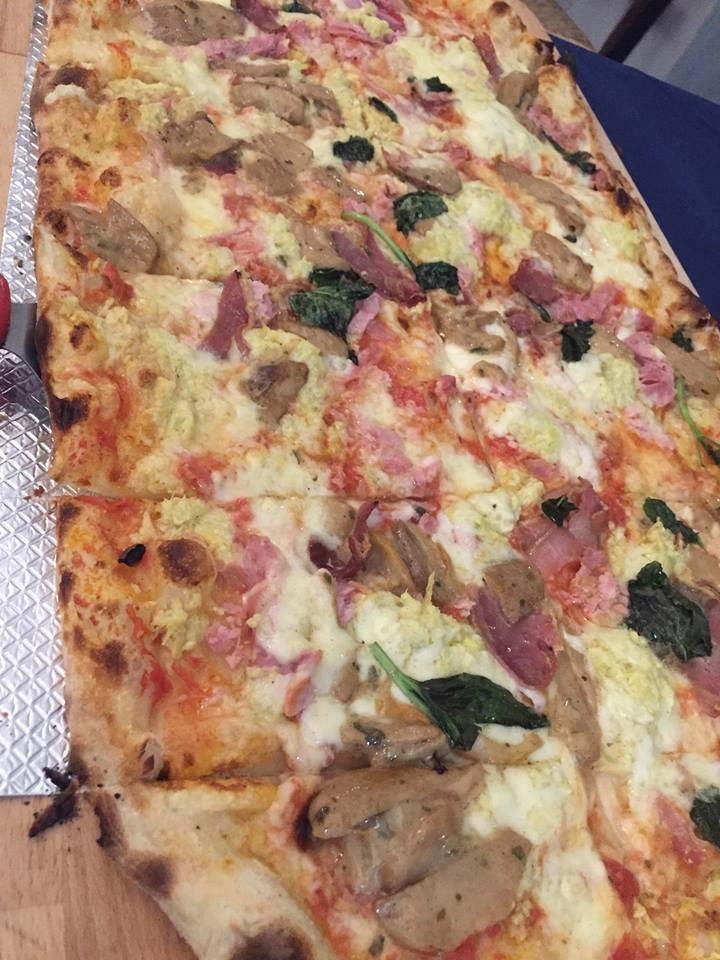 Pizzeria 'O Gemell, pizza a metro