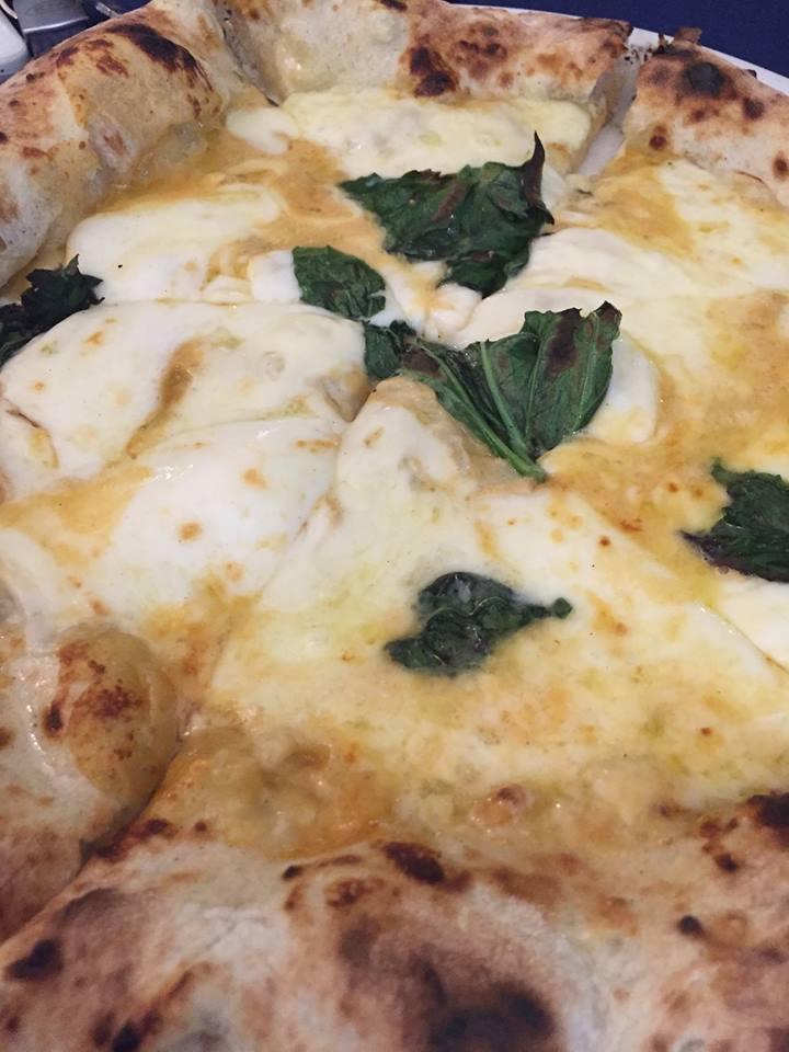 Pizzeria 'O Gemell, pizza bianca