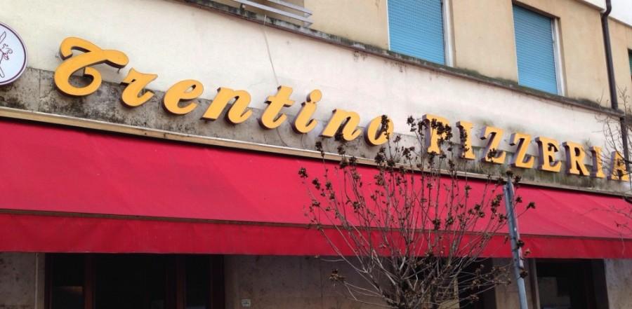 Ristorante Pizzeria Trentino, insegna