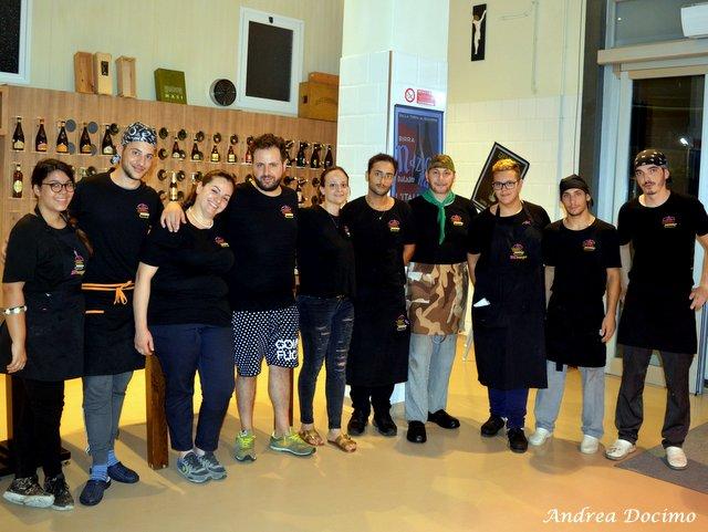 Bifburger by Bifulco a San Giuseppe Vesuviano. Lo staff con Nando e Speranza Bifulco