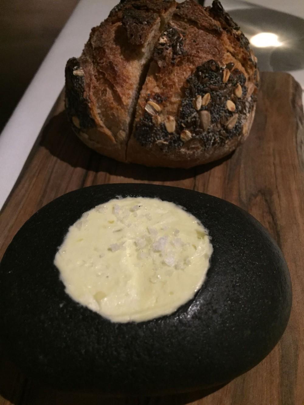 Metamorfosi di Roy Cacerese, il pane