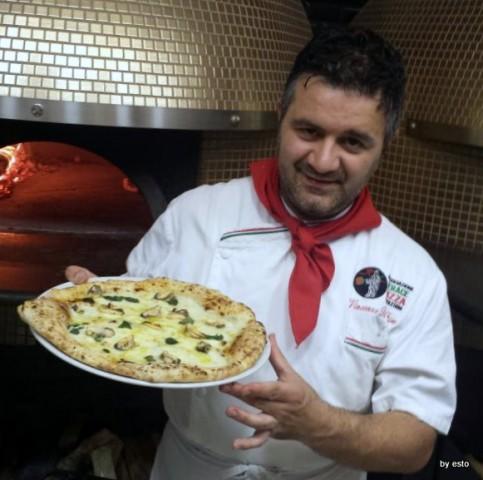 Vincenzo Di Fiore, Pizzeria Bella Napoli